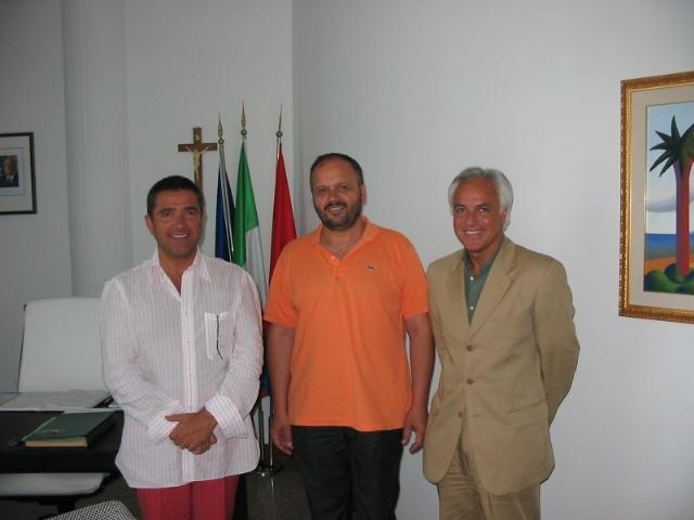 Da sin. il presidente dell'Anit Zaffini, il sindaco Gaspari e il vice presidente dell'associazione Fiori