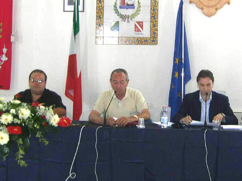 Giacinto De Luca, il sindaco Di Salvatore e Massimo Vagnoni presentano il programma estivo 2007