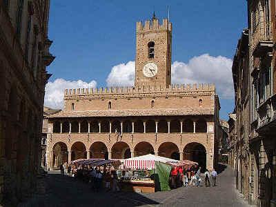 Il centro storico di Offida