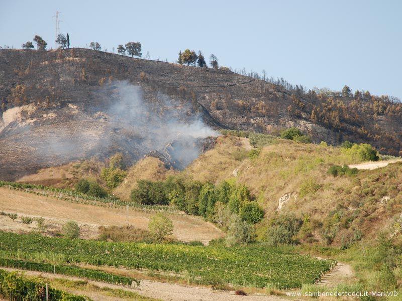 Ore 17,30 : la vasta area coinvolta dall'incendio
