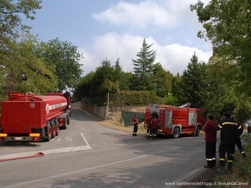 Nella mattinata del 31 agosto i Pompieri ancora sul posto, in zona Petrella