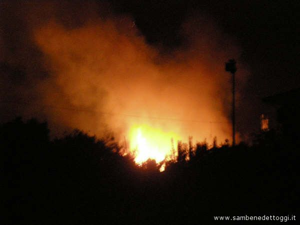 Incendio all'Oasi di Grottammare