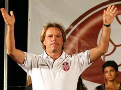 L'allenatore della Salernitana Andrea Agostinelli (foto tratta dal sito www.salernitana1919.it)
