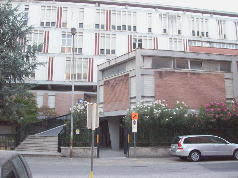 L'edificio di via Romagna che ospita alcuni servizi dell'Asur