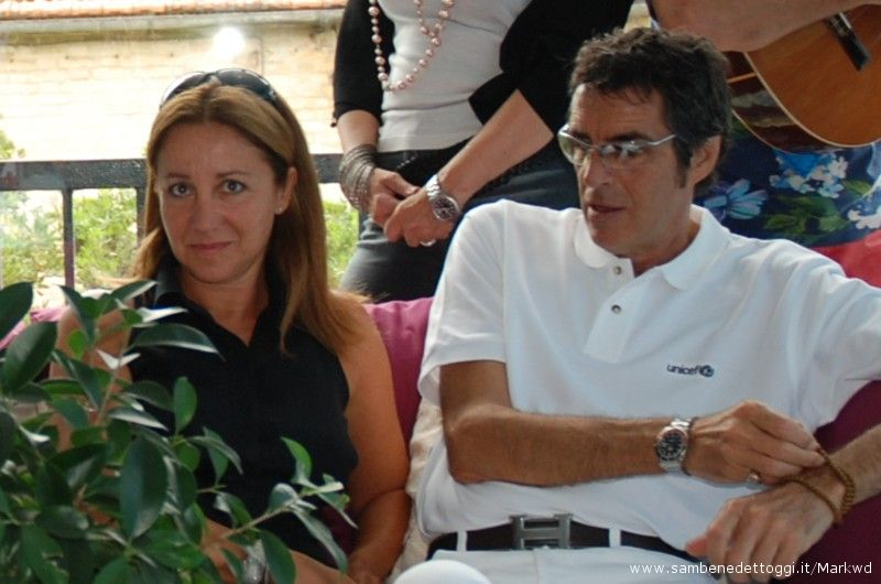 La conduttrice di Cabaret Amoremio! Carla Signorsi e Pepi Morgia, Direttore artistico del festival