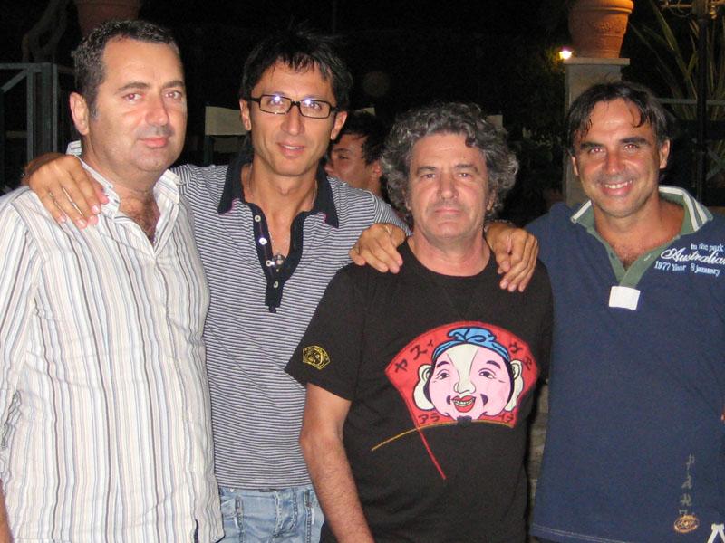 Nicola Jurajvic, direttore del Le Terrazze, Maurizio Mascaretti del Morrison's Pub, Fausto Leali, Walter Assenti del Lido degli Aranci