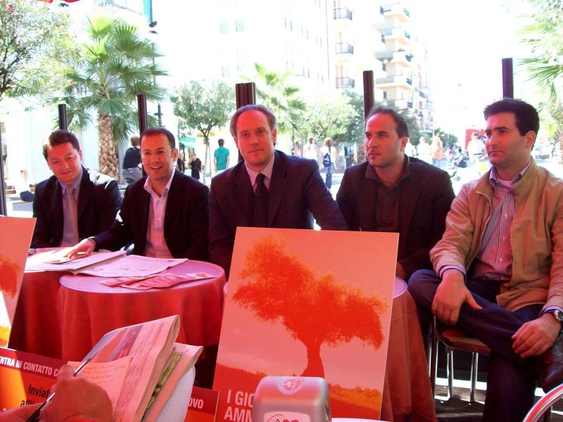 Da sinistra. Roberto De Angelis, Paolo D'Erasmo, Antimo Di Francesco, Valerio Lucciarini, Stefano Stracci
