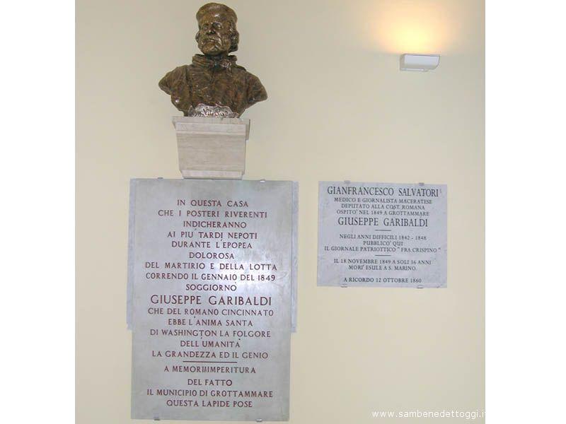 Il busto di Garibaldi, restaurato e ricollocato presso il Municipio in occasione del bicentenario della nascita