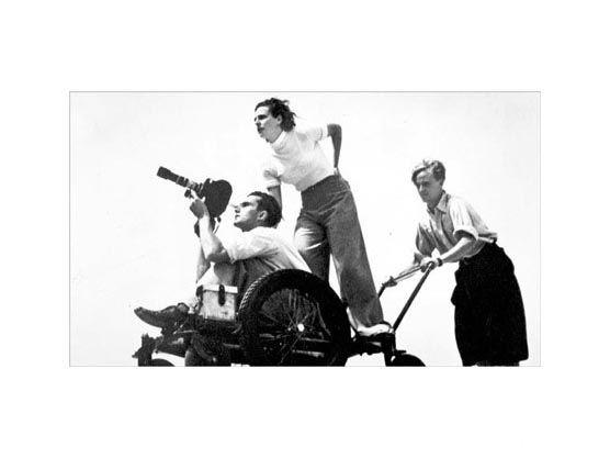 Leni Riefenstahl mentre dirige le riprese di