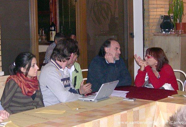 Gianfilippo Straccia con alcuni componenti del Meet-up di Beppe Grillo