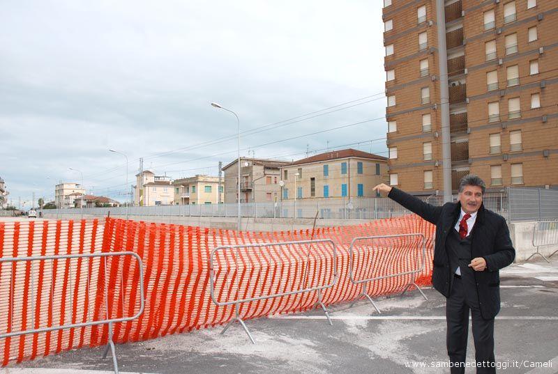 Il Sindaco Luigi Merli presenta il nuovo lotto adibito a parcheggio della Stazione Ferroviaria