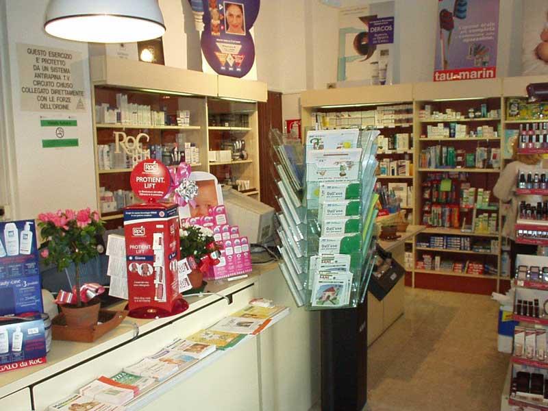 Farmacia (foto di repertorio)