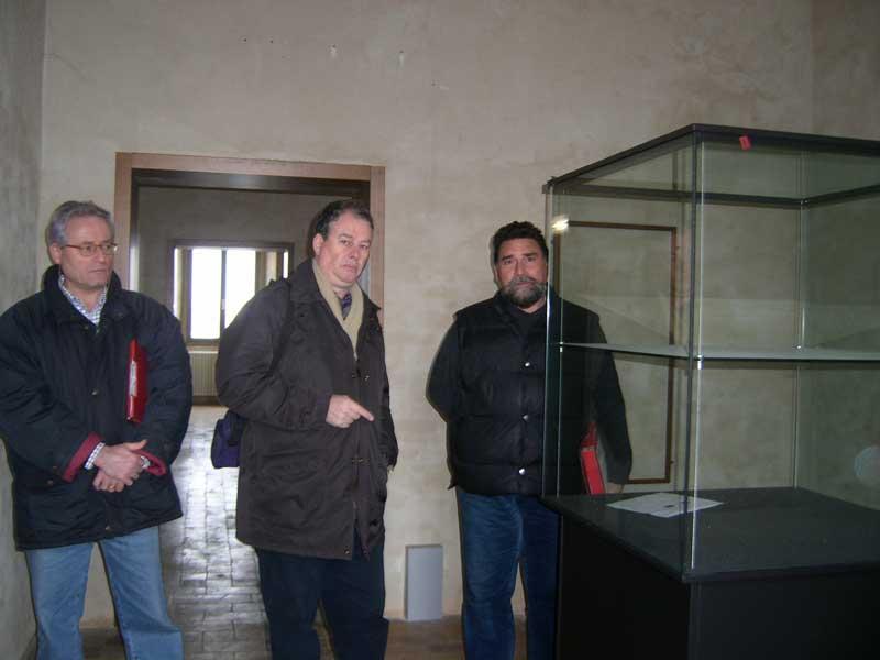 L'architetto Marcello Nardi, il sovrintendente Andrea Staffa e l'architetto Marcello Tempestini