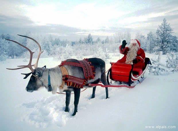 Babbo Natale non usa più la slitta,  ma si sposta in carrozza.