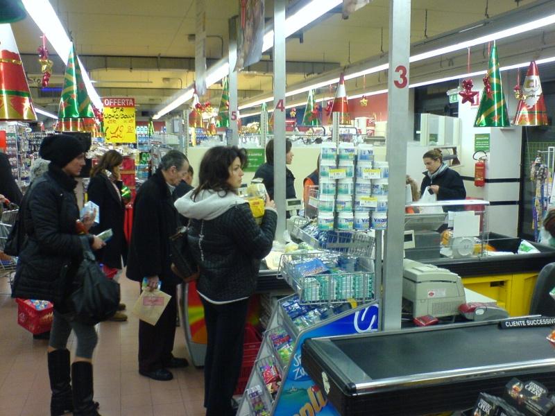 Un supermercato di San Benedetto del Tronto durante lo sciopero degli autotrasportatori