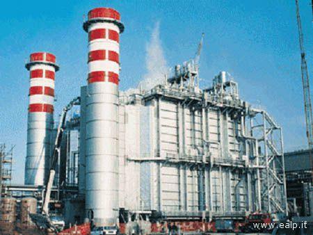 La centrale Turbogas della società Rosen a Rosignano, Livorno