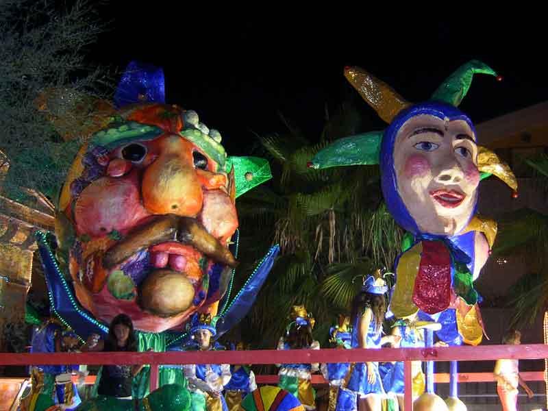 Un carro del Carnevale 2007 a Martinsicuro