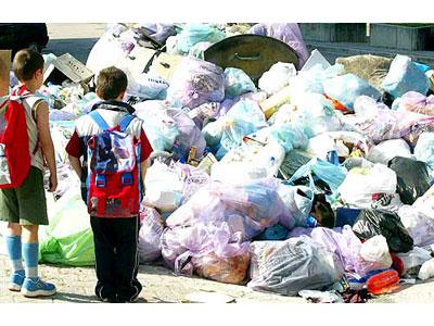 L'emergenza rifiuti a Napoli