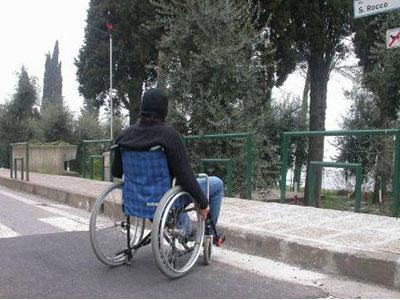 Le barriere a cui si trovano spesso di fronte i disabili non sono solo di natura architettonica ma anche sociale