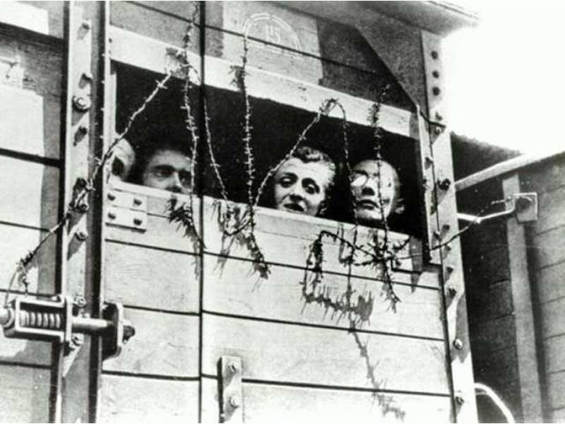 Prigionieri trasportati nei campi di concentramento