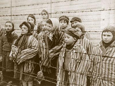 Ebrei in un campo di concentramento