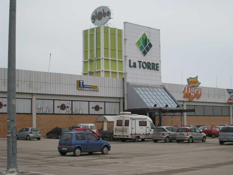 Il Centro commerciale La Torre a Villa Rosa