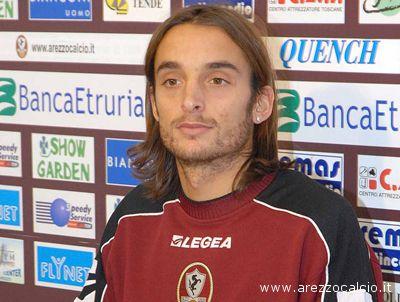 Il centrocampista dell'Arezzo Crocifisso Miglietta