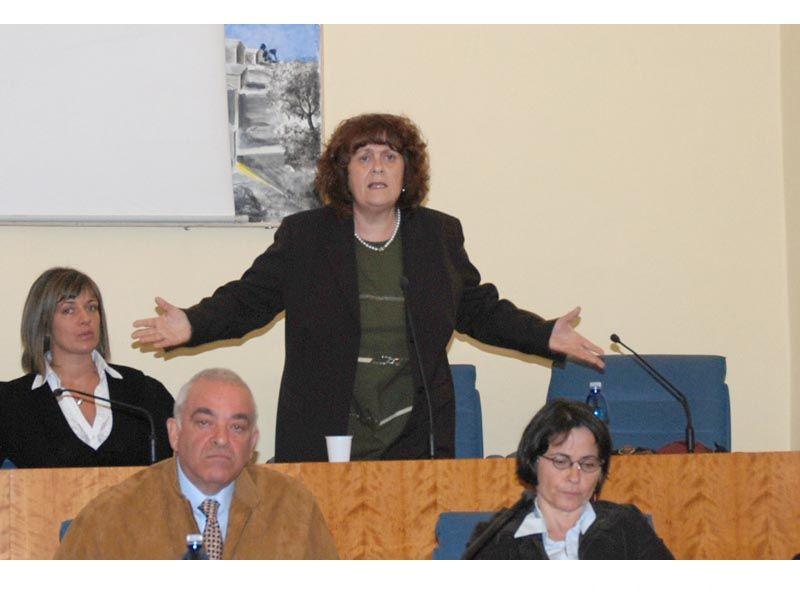 Matilde Menicozzi si lascia andare a critiche contro l'attuale amministrazione