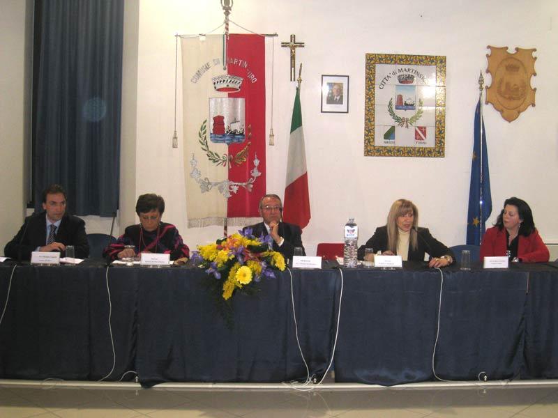 L'assessore alla cultura Massimo Vagnoni, la scrittrice Barbara De Miro D'Ajeta, la dott.ssa Franca Maroni e la consigliera comunale Patrizia Ciufegni