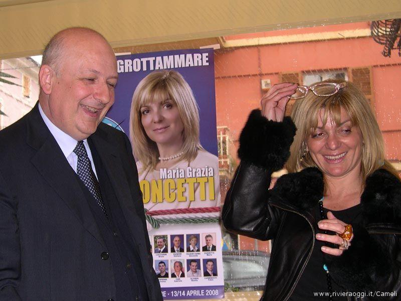 L'onorevole Sandro Bondi e la candidata sindaco Maria Grazia Concetti