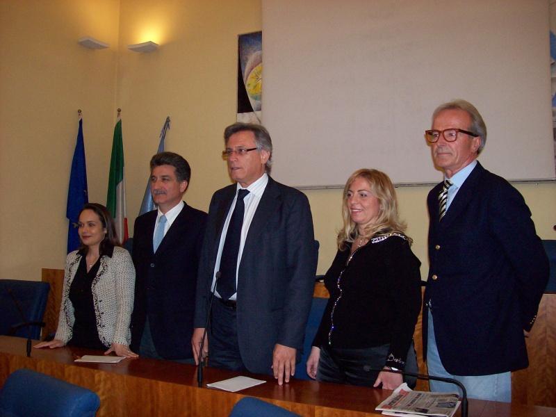 I protagonisti del dibattito: da sinistra, Ilenia Illuminati (Confesercenti), Luigi Merli, Paolo Perazzoli (Confesercenti), Aurelia Lisciani, Sandro Mariani.