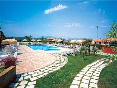 Una piscina del resort