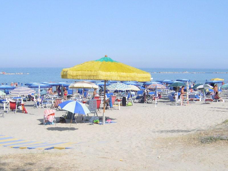 Ombrelloni sulla spiaggia di Martinsicuro