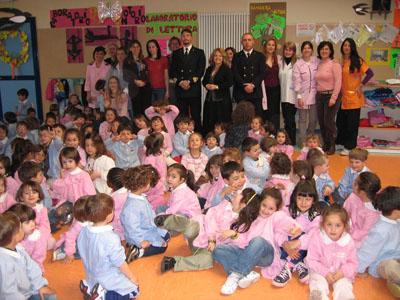 I piccoli studenti a lezione con la Capitaneria di porto