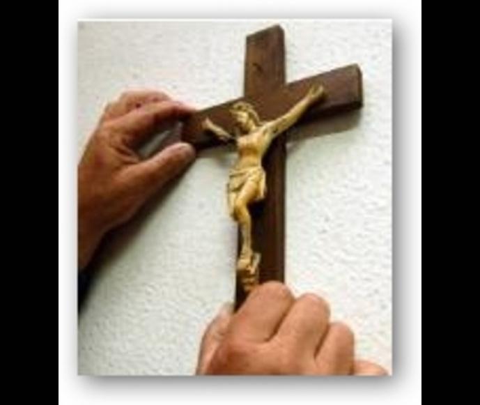 Chi tolse il crocifisso?