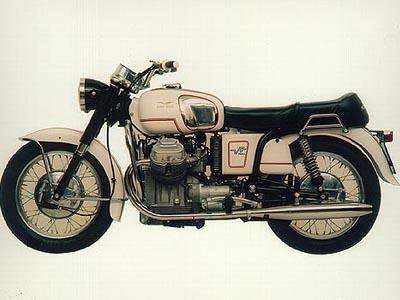 Una Moto Guzzi