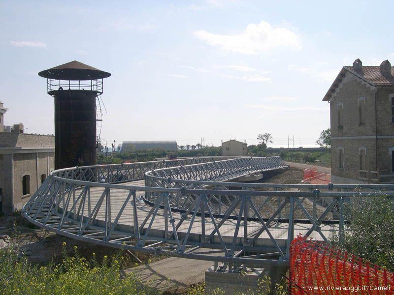 L'impianto d'esercizio in costruzione nei pressi del Tesino