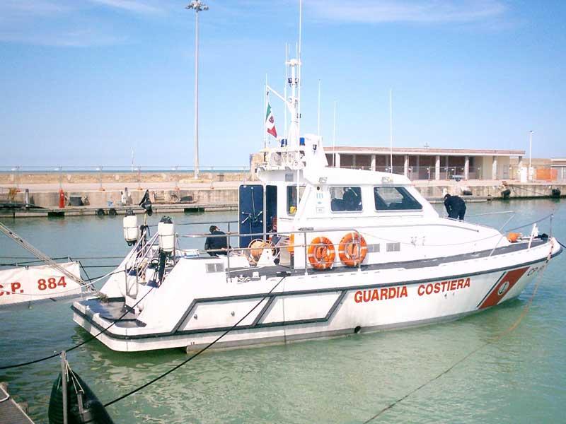 Una motovedetta della Guardia Costiera