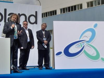 Mario Picchio presenta il logo delle Roland Dg Creative Center