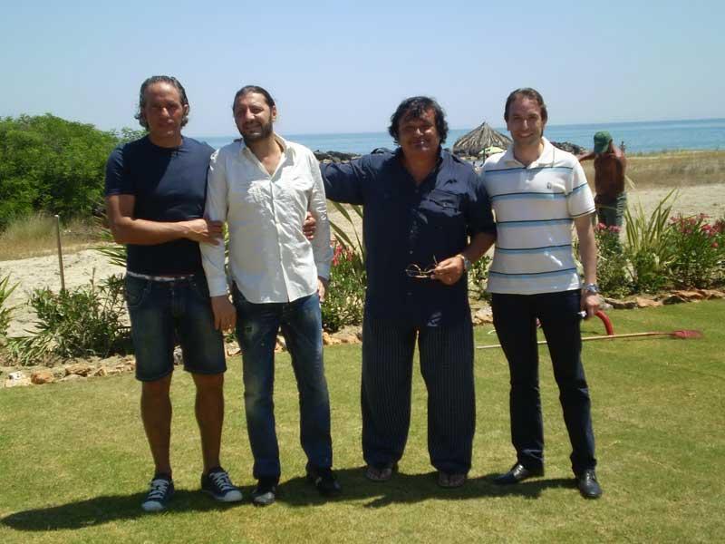 Foto di gruppo con Smaila e l'assessore alla Cultura Massimo Vagnoni