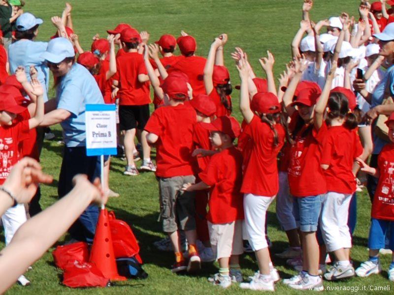 Sport a scuola per crescere insieme: 16 classi al campo sportivo
