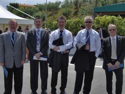 I rappresentanti delle sedi straniere: da destra, Bent Corlin dalla Scandinavia, Dave Goward dagli Usa, Eli Keersmaekers dal Belgio, Jorge Calvo per la Spagna e Portogallo, Bob Curtie dagli Usa