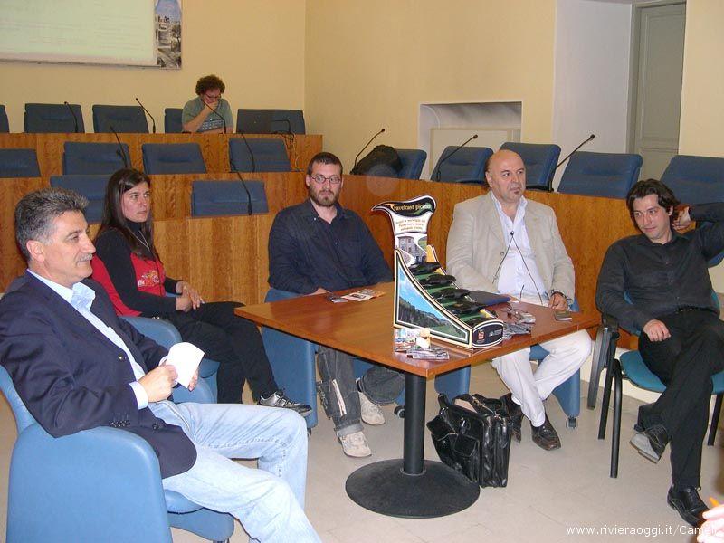 Sindaco Luigi Merli, Cristina Petrelli, Emanuele Ferraini, Fabio Curzi (al computer), Avelio Marini, Enrico Piergallini