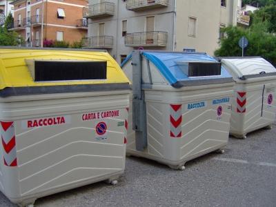 L'amministrazione comunale promuove una campagna di sensibilizzazione tra i piu' piccoli per il corretto smaltimento dei rifiuti