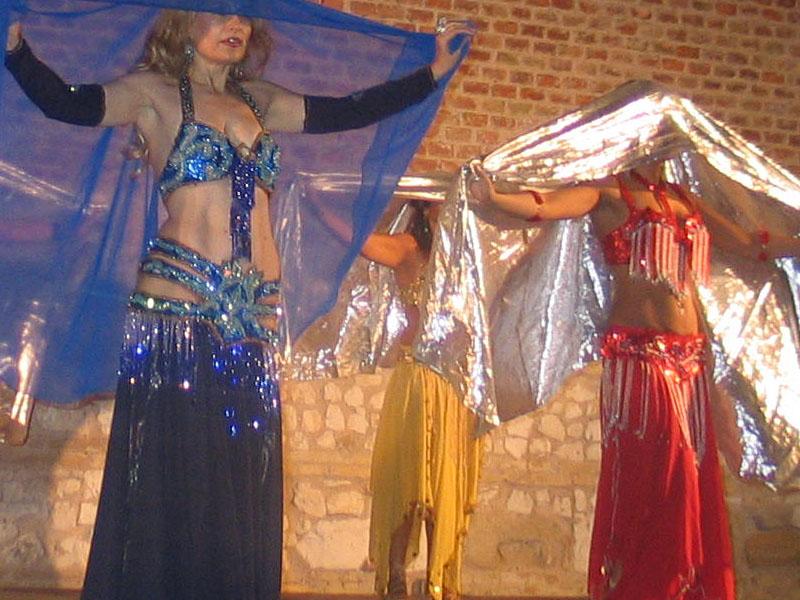 Omphalos danze dal mondo