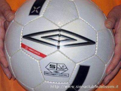 Il pallone Umbro