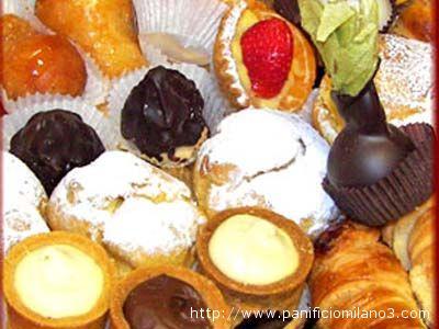 L'Iper di Colonnella regala un assaggio dei propri dolci ai lettori di Riviera Oggi alla Sagra di Tortoreto