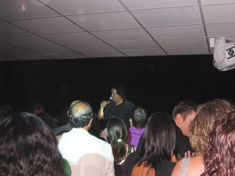 Smaila durante il concerto