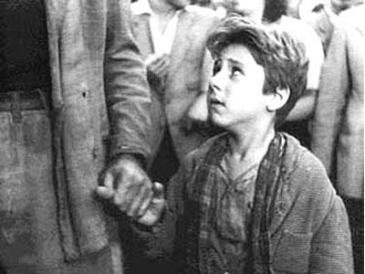 Il piccolo Bruno (Enzo Staiola) in una scena del film