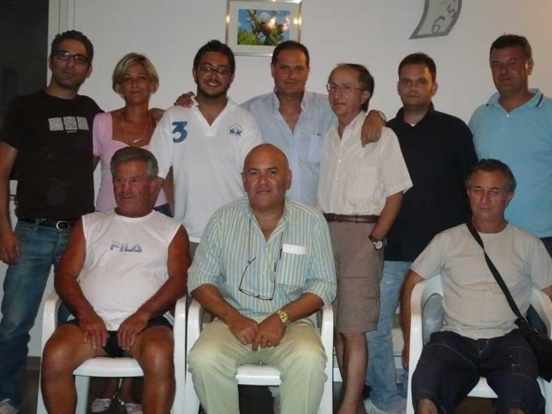 Mauro Paci (al centro) con il gruppo de